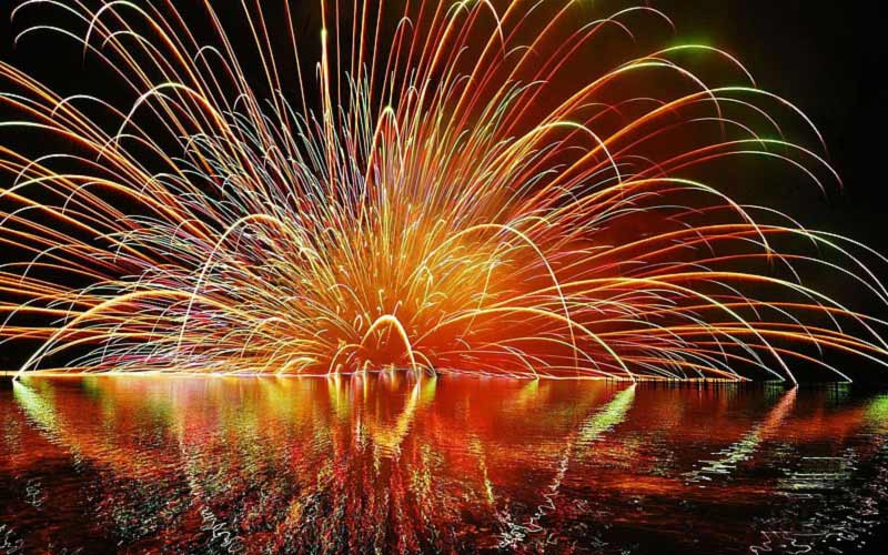 Crackers for fireworks when rent cottage